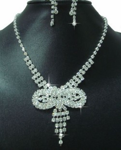 Rhinestone Ribbon Bow Motif Necklace & Earrings Set